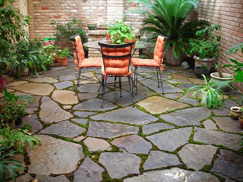 decorate a small garden