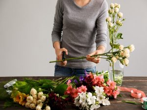 8 tips to keep your flowers fresh longer
